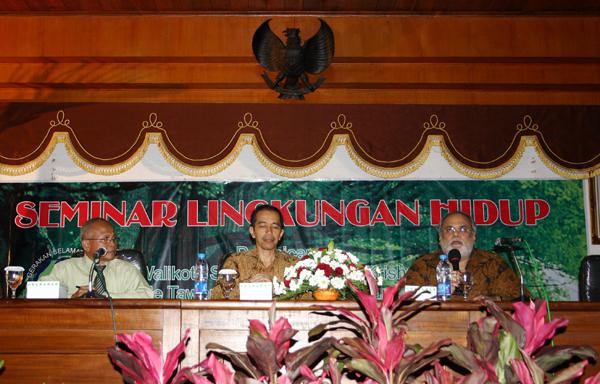 Seminar Lingkungan di Balai Kota Surakarta