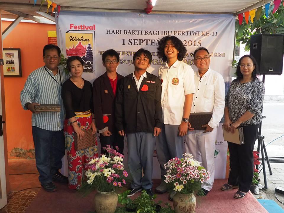 Festival SMU Membaca Buku Berbagi Pemahaman, Tulisan dan Karya Seni