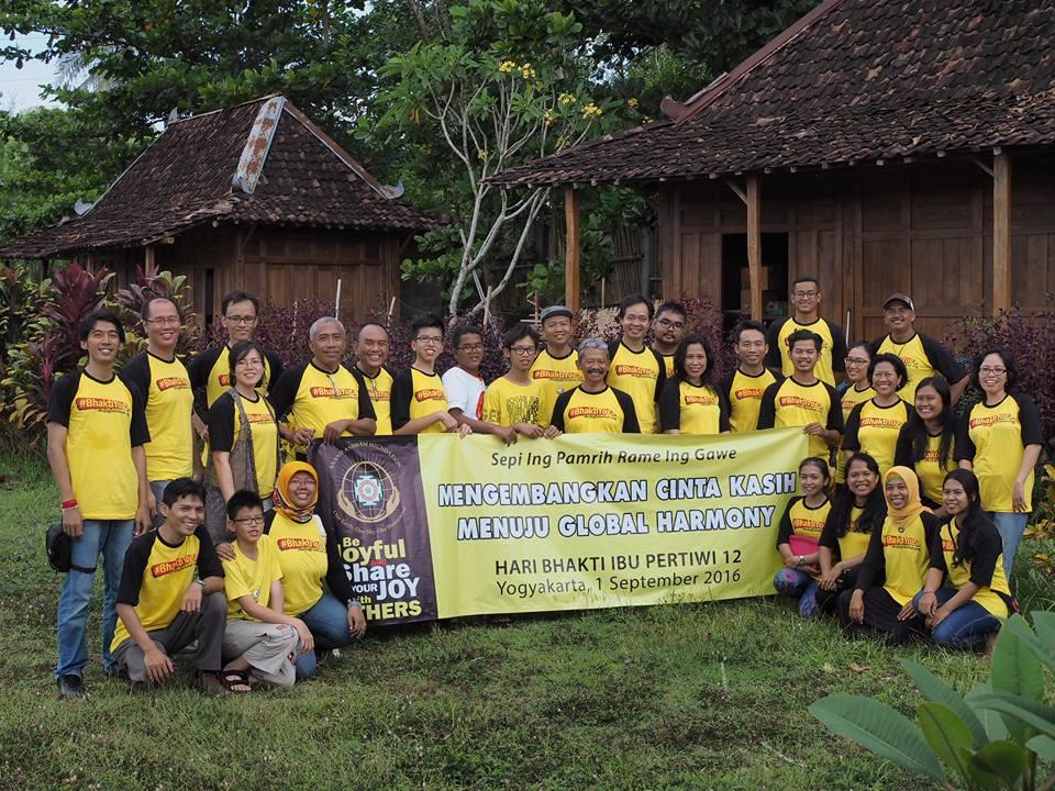 Mengembangkan Cinta Kasih Menuju Global Harmony