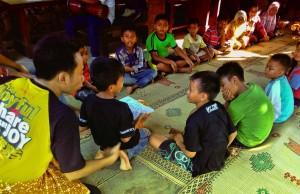 Edukasi Nutrisi untuk Kesehatan Holistik (Roleplay, anak yang lebih muda menyuguhkan makanan sehat ke yang lebih tua)